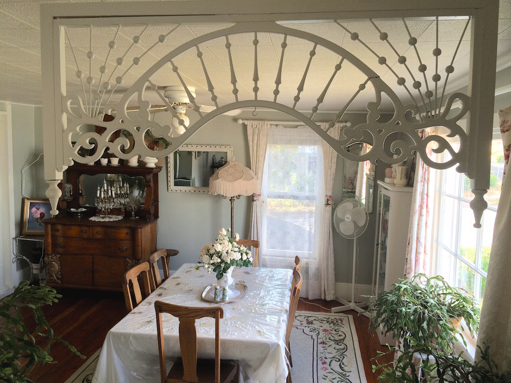 Classic Painted Lady dining room -