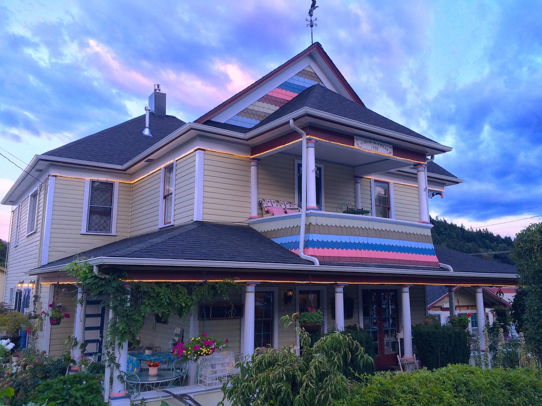 We love our Tea Room and Bed & Breakfast in Southern Oregon