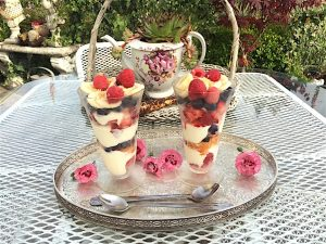 Fresh fruit parfaits